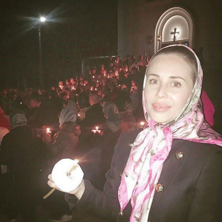 """Юлия Михалкова из """"Уральских пельменей"""" сходила на службу. Фото Фото: соцсети."""