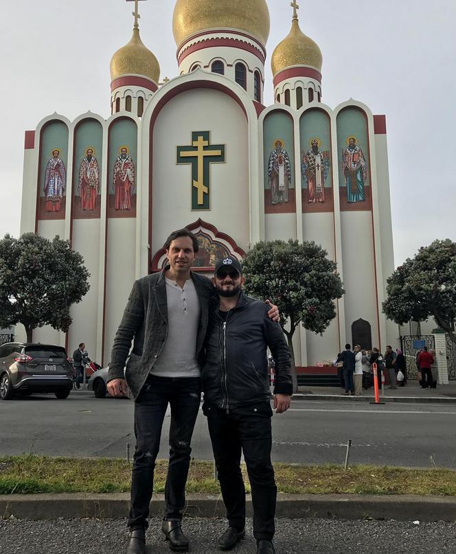 Галустян и Ревва машут руками из Лос-Анджелеса. Фото Фото: соцсети.
