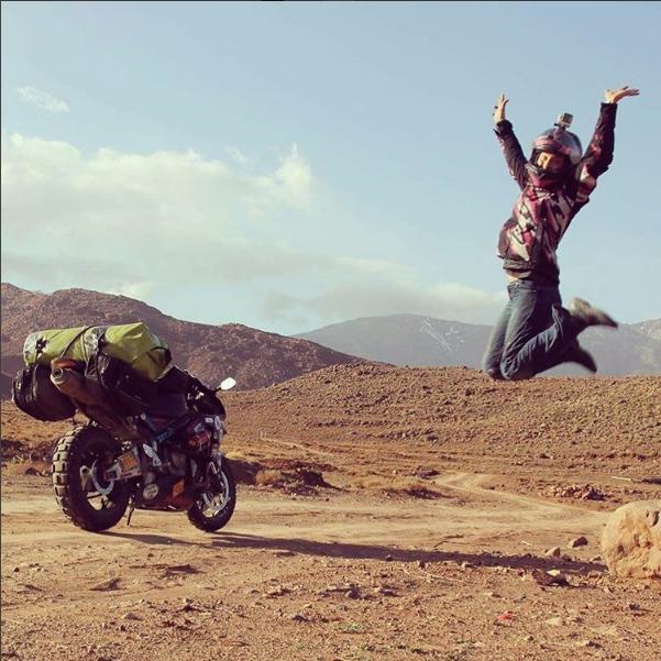 Никки в Марокко. Фото Скриншот Instagram/alaskamotogirl