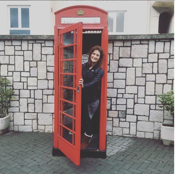 Никка в Гибралтаре. Фото Скриншот Instagram/alaskamotogirl