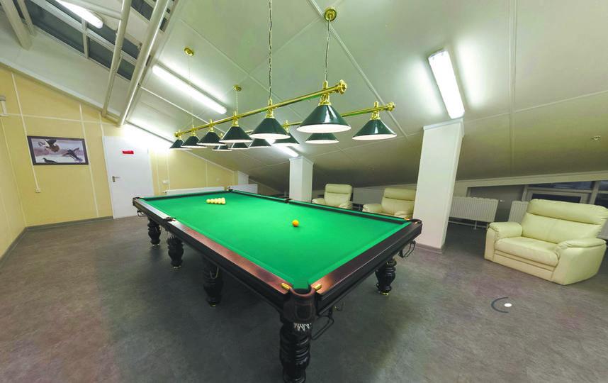 Зона для активного отдыха. Тут расположены залы для игры в настольный теннис и русский бильярд. Фото предоставлены пресс-службой Минобороны РФ.
