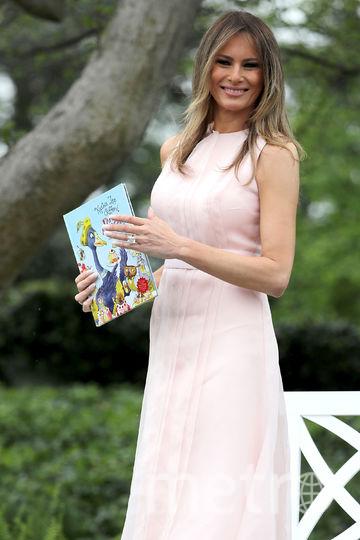 Мелания Трамп покорила американцев своим нежно-розовым платьем. Фото Getty