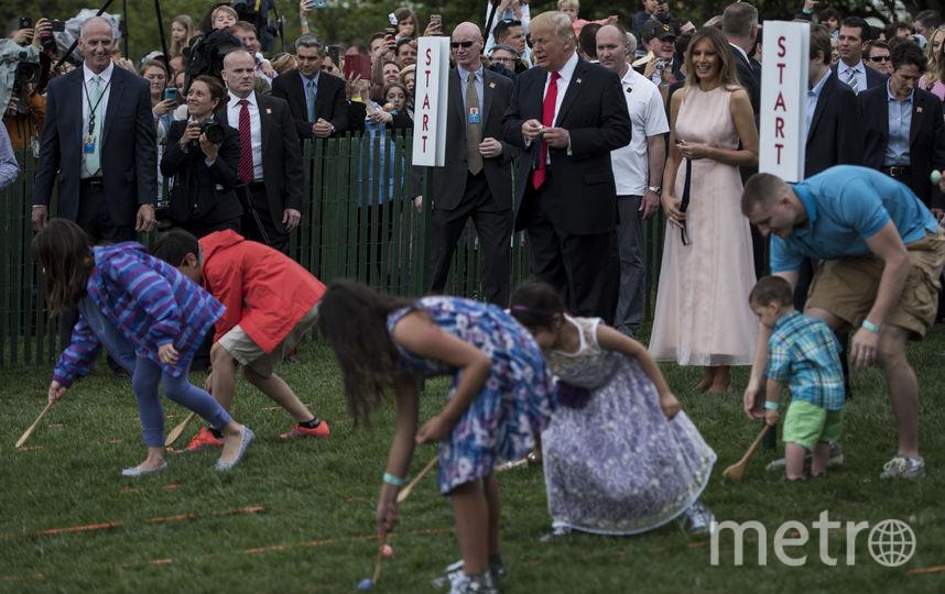 Семейство Трампов приняло участие в пасхальном катании яиц у Белого дома. Фото AFP
