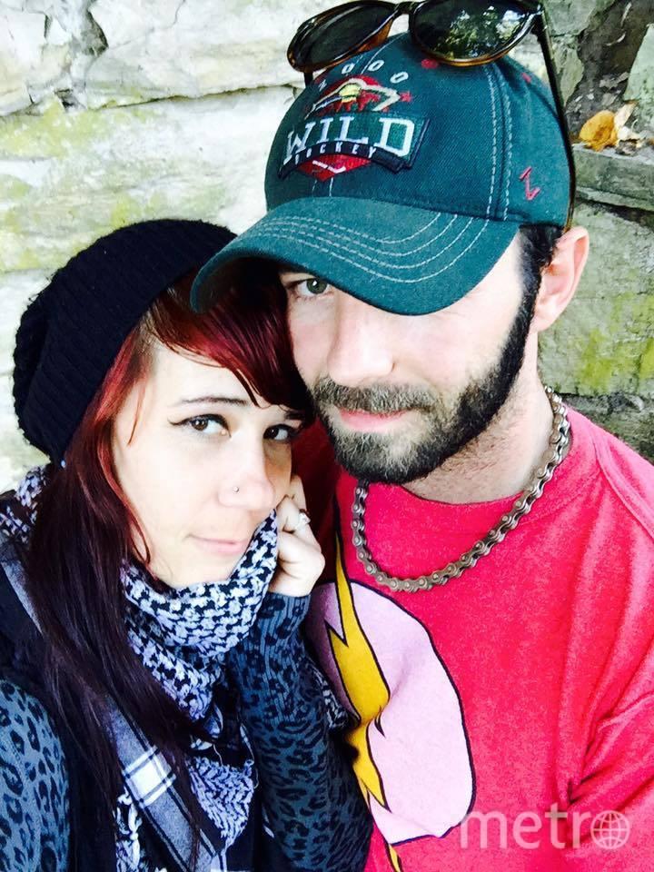 Адам с женой. Фото facebook.com/adam.ronning1