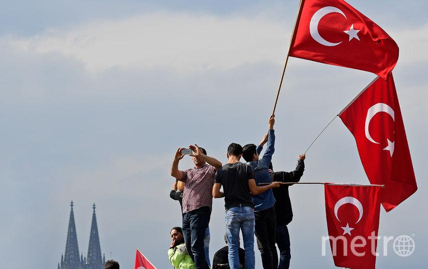 Сторонники президента Турции на митинге. Фото Getty