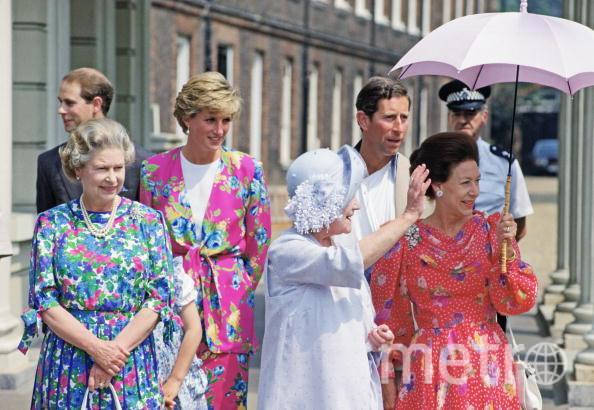 Королева Британии Елизавета II. С принцессой Дианой. 1990 год. Фото Getty