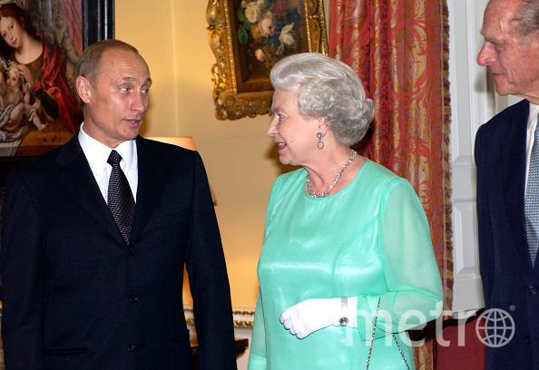 Королева Британии Елизавета II. С Владимиром Путиным 2003 год. Фото Getty