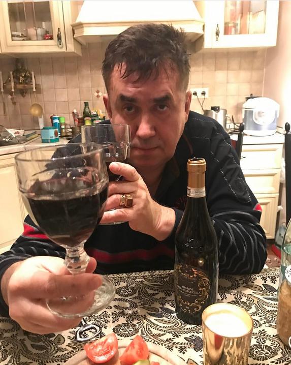 Голое фото Елены Малышевой опубликовал популярный народный блогер. Фото Скриншот Instagram/stassadal