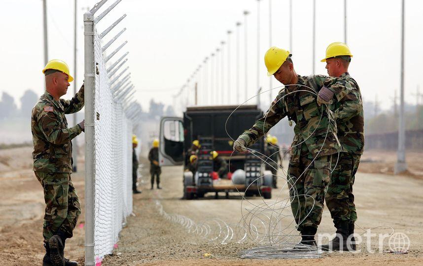 Укрепление защитных сооружений на американо-мексиканской границе. Фото Getty