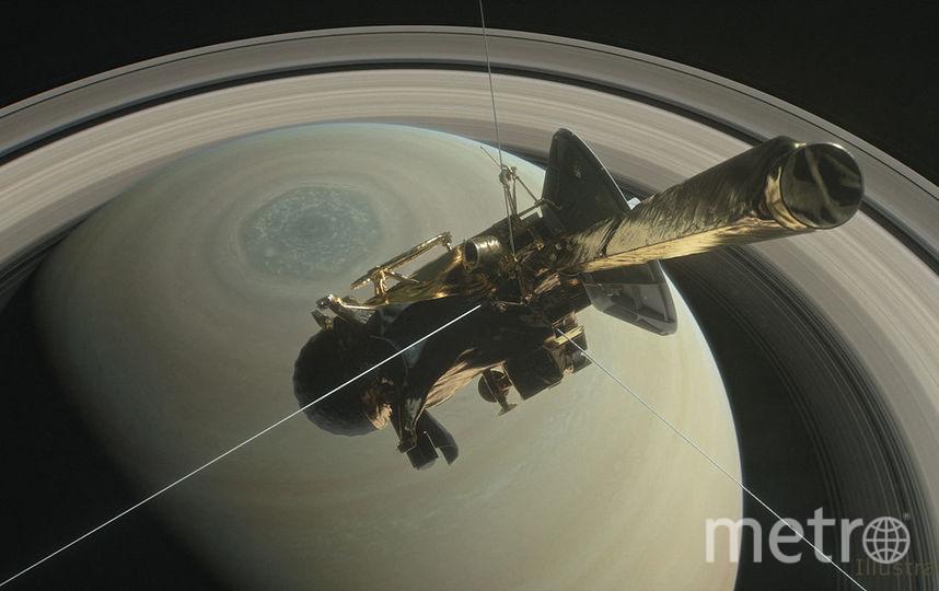 """Зонд """"Кассини"""" пролетел между Сатурном и его кольцами. Фото NASA/JPL-Caltech."""