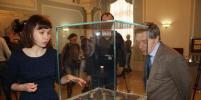 Гознак выставил в Петропавловской крепости керенки и гривны