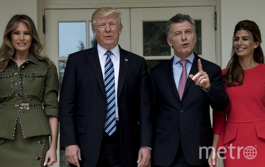 Мелания Трамп появилась на встрече с президентом Аргентины в необычном для себя образе. Фото AFP