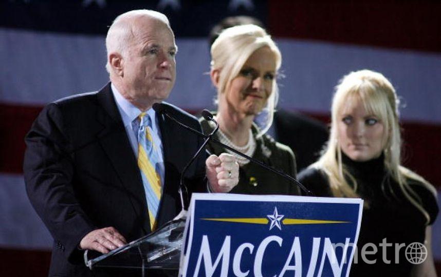 Меган Маккейн с отцом. Фото Getty