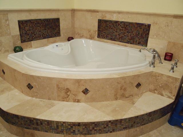 Большая угловая ванна
